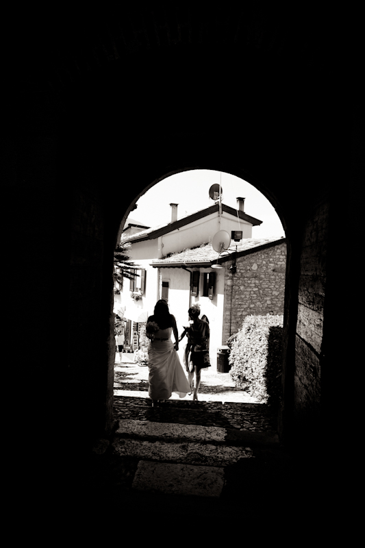 Lake Garda Wedding photographer|Malcesine wedding photographer,italian wedding photographers specialized in vintage wedding photojournalism.