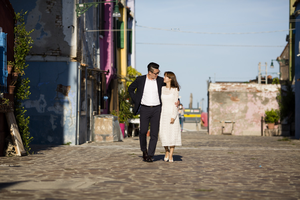 Honeymoon photo session Burano | Venice Engagement Photographer