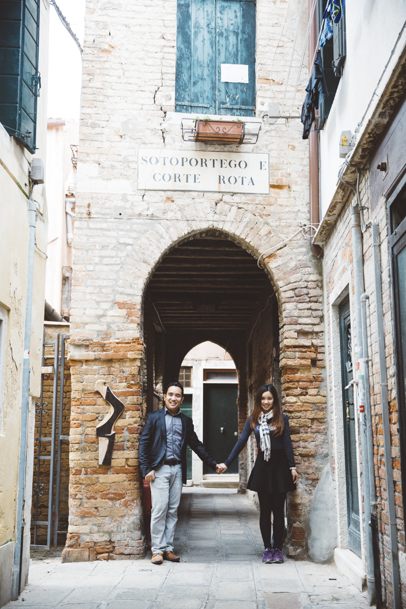 Venice Vacation Photographer | Couple Photo session