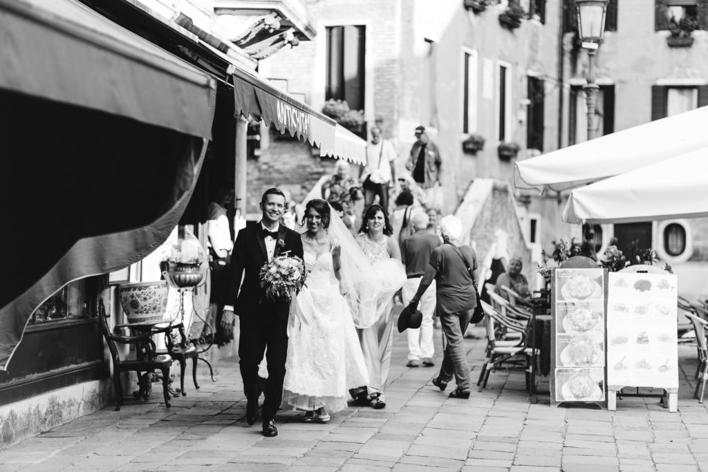 Tips on Finding The Right Wedding Photographer
